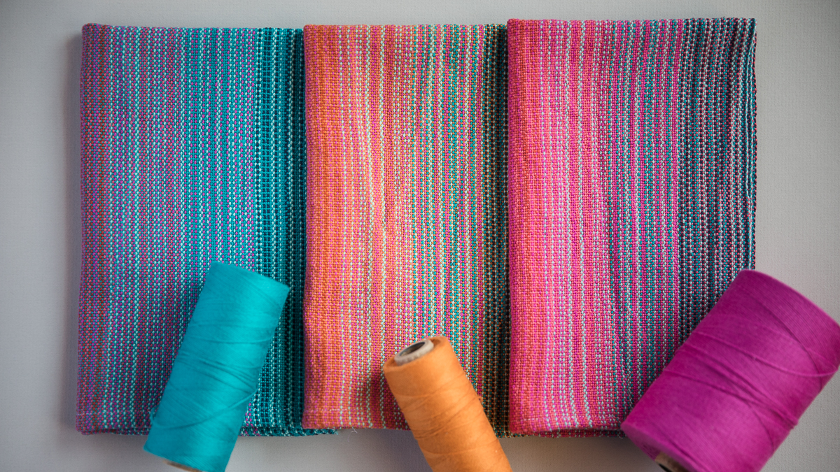 Different weft colours, different towels