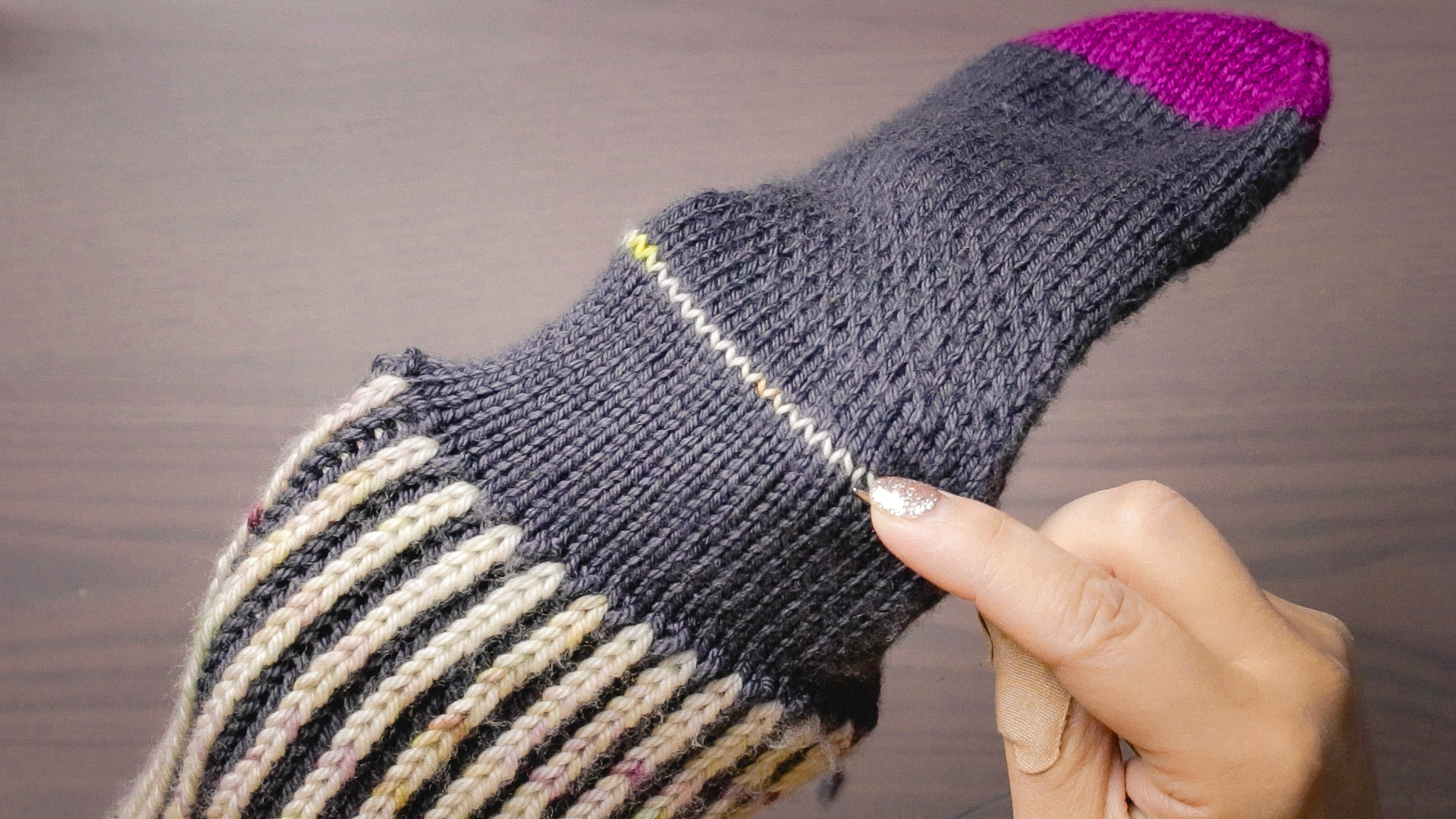 Afterthought Heel tutorial on Apres sock design by Felicia Lo Wong